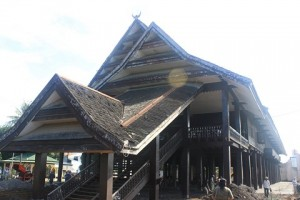 Image result for rumah bale 300 x 200